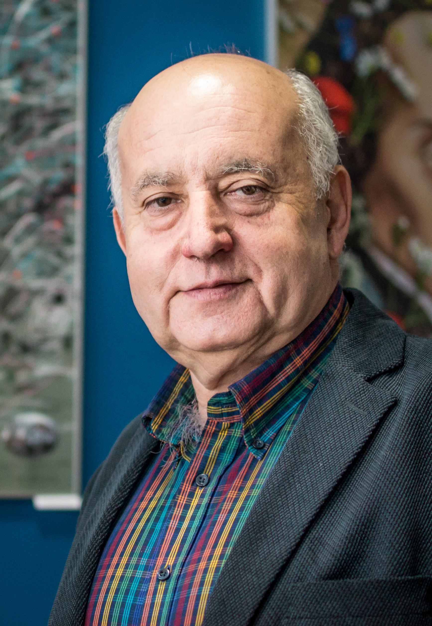 prof. Marek Bulsa
